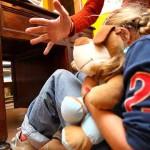 Genitori romeni affittano figlia 12enne per sesso. Arrestati