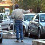 Multa di mille auto a Palermo per 16 parcheggiatori abusivi