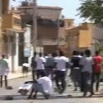 In Sicilia emergenza clandestini: a Portopalo è guerriglia in strada, e Crocetta pensa ai gay (VIDEO)