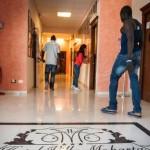 Immigrati in Sicilia: sapevi che lo Stato paga 30 euro al giorno per mantenerli in albergo?
