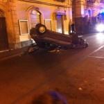 Paternò, auto guidata da romeno capottata in Via Vitt. Emanuele