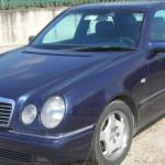 Catania, la casta, la Mercedes blu e la paletta finta