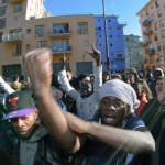 Piacenza, clandestini protestano in strada
