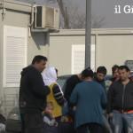 Gli italiani mantengono i rom: playstation, tv satellite e aria fresca