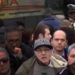 Paternò, manifestazione ospedale: il sindaco nascosto tra la folla