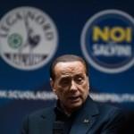 """Berlusconi alla scuola della Lega: """"Uniti contiamo. Avanti con Salvini"""""""