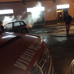 Paternò. Auto in fiamme in Piazza San Giovanni (Palme)