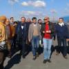 Il piccolo corteo di esponenti politici paternesi insieme all'assessore regionale al Turismo in Sicilia, Anthony Barbagallo