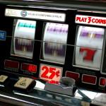 Se lo Stato è speculatore. Le slot machine in Italia tra interessi e riciclaggio