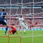 Calcio, spettacolo in Europa. La Spagna ricorda Cruijff