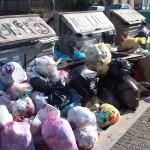 Noi e la spazzatura, ovvero come fu inventato il lancio della monnezza