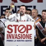 """La giravolta umanitaria di Salvini: """"Adesso l'Europa accolga i profughi"""""""