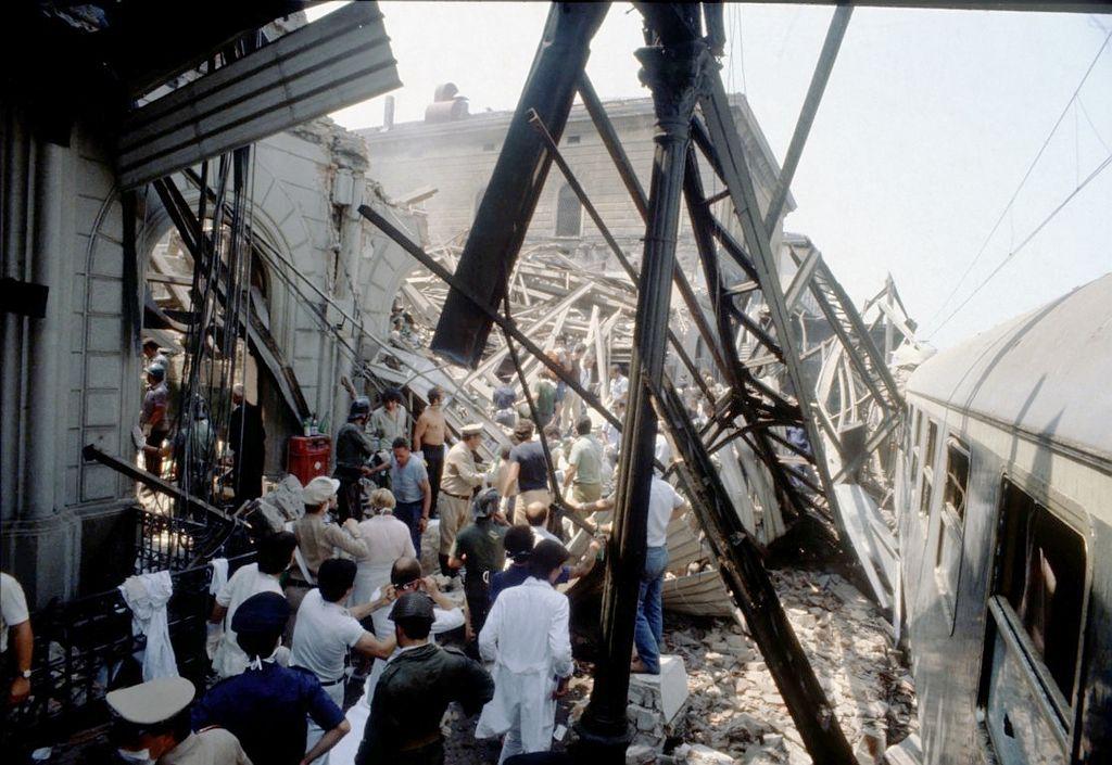 Bologna_primi_soccorsi_1980