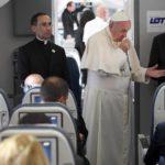 """Papa Francesco: """"Ingiusto dire che Islam è terrorista. Integralisti anche tra i cattolici"""""""