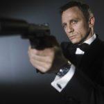 007, proposti a Daniel Craig 150 milioni per due film. Così il cinema muore