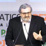 """Pd, Emiliano sfida Renzi: """"Mi candido segretario, è necessario"""""""