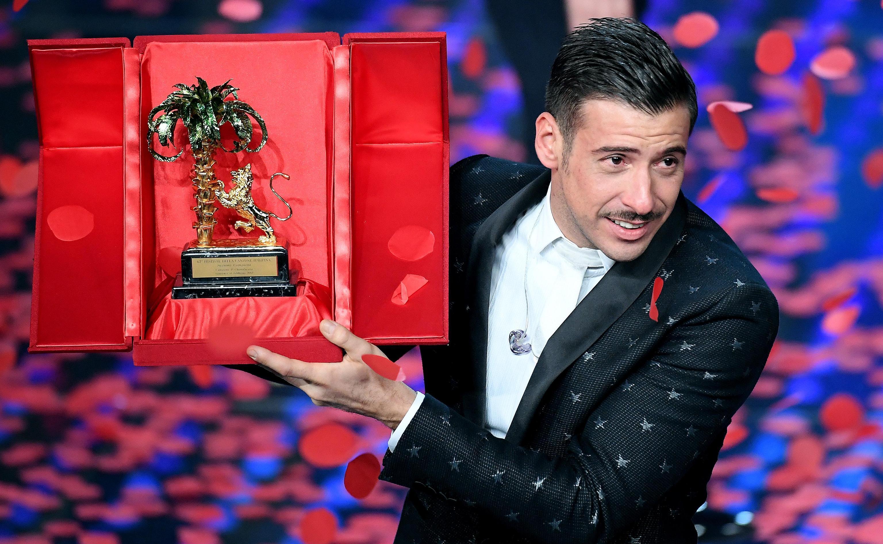 """Francesco Gabbani, vincitore di Sanremo 2017 con """"Occidentali's Karma"""""""