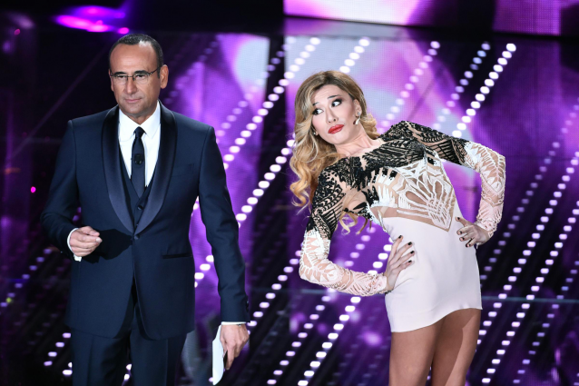 Carlo Conti con Virginia Raffaele a Sanremo 2016