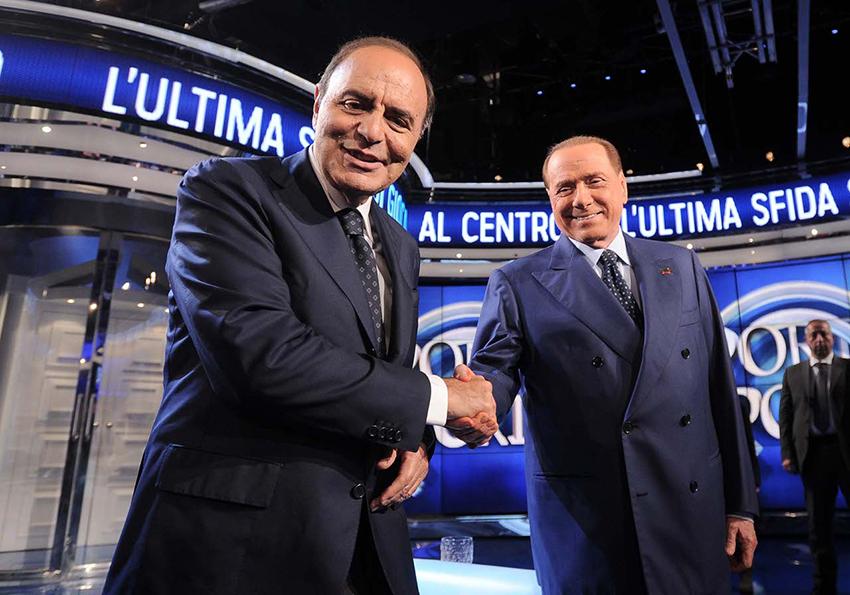 Silvio Berlusconi ospite di Porta a Porta da Bruno Vespa.