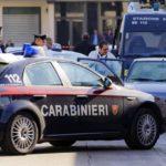 A Milano immigrato ruba IPhone e ferisce 21enne all'addome