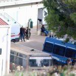 Migranti: chiusura temporanea hotspot di Lampedusa