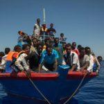 Rifugiati «in carico» per 10 anni. Pressing dell'Italia contro il piano Ue