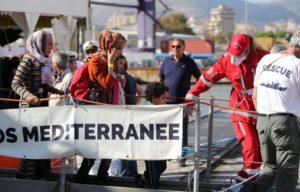 Migranti: nave Acquarius a Palermo, è record di bambini