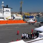 A Catania nave Aquarius con 105 migranti