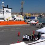 A Catania nave Aquarius con 105 migranti