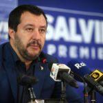 """Salvini non molla: """"Basta a genitore 1 e 2. Ripristinati madre e padre"""""""
