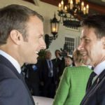 """Francia, il premier Conte da Macron: """"Hotspot in Paesi di origine migranti"""""""