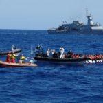 Migranti, Salvini chiude i porti. Scontro con Malta