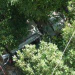 Napoli, auto con 4 ragazzi vola giù per 21 metri