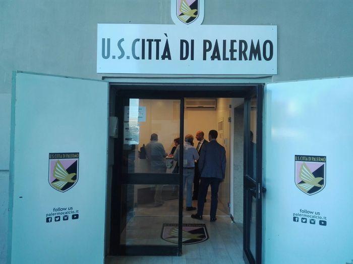 ++ Calcio: Gdf in sede Palermo, perquisito Zamparini ++