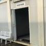 """Uno degli ingressi ai box dello stadio """"Falcone Borsellino"""" di Paternò, con la porta d'ingresso divelta e rubata."""