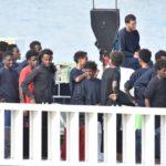 Catania, nave Diciotti. Tre avvocati denunciano per sequestro