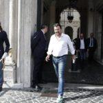Inchiesta su Salvini, ora cade l'ipotesi di «arresto illegale» dei 177 migranti