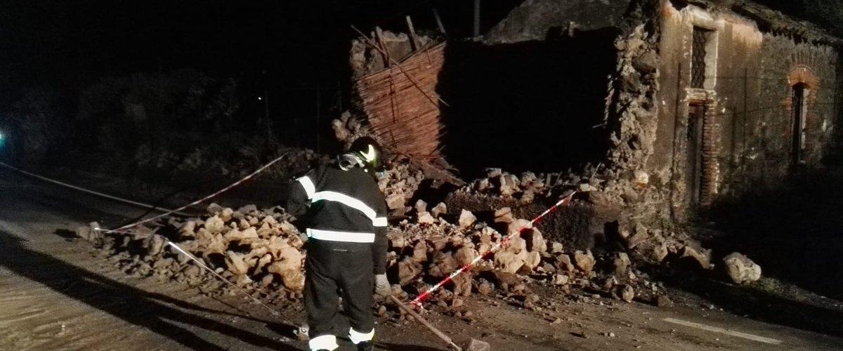 Una delle strutture crollate.