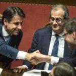 Manovra, Conte: «Così ho convinto Salvini e Di Maio. Non potevamo permetterci sanzioni Ue»