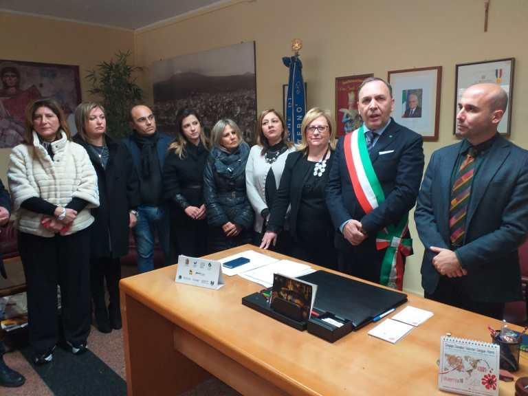 L'insediamento del nuovo segretario generale del Comune di Paternò Giuseppe Bartolilla con il sindaco di Paternò Nino Naso