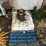 Gesù nero senza Sacra Famiglia: è polemica sul presepe all'asilo
