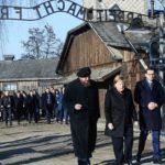"""Merkel ad Auschwitz: """"Vergogna profonda, mai dimenticare"""""""