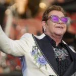 "Elton John interrompe concerto a Auckland: ""Ho la polmonite"""