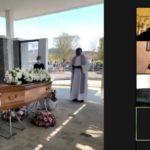 Muore in Francia, parenti a funerale web