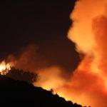 Usa: mega incendio a est Los Angeles, 7.800 evacuati