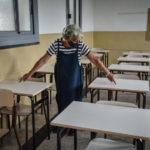 """Covid, Valle d'Aosta verso chiusura scuole. Abruzzo """"Zona Rossa' da mercoledì"""