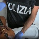 Polizia cercava droga ma trova un violino del Seicento