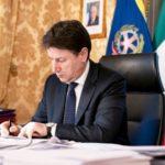 Covid. Conte firma nuovo DPCM