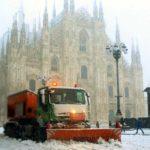 Maltempo: Milano e il Nord sotto la neve. Morto vigile del fuoco, due feriti