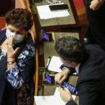 """Governo. Zingaretti: """"No alla crisi"""". Italia Viva: """"Serve un nuovo accordo"""""""
